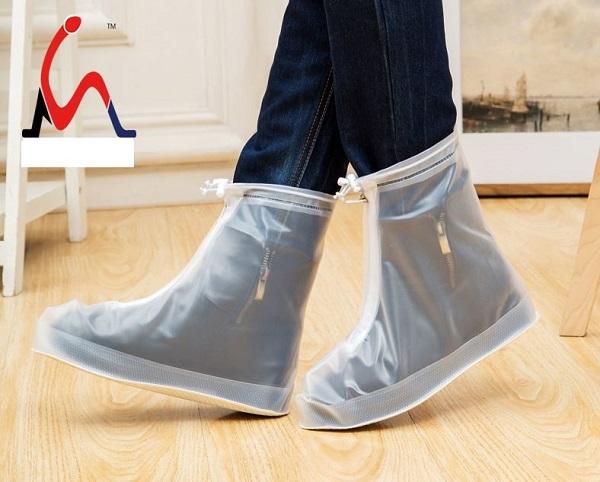 ủng đi mưa thời trang