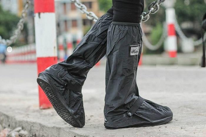 bọc giầy đi mưa